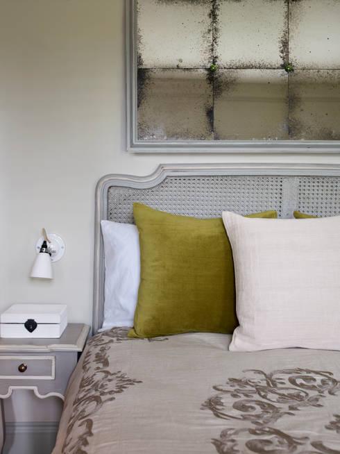 Projekty,  Sypialnia zaprojektowane przez Studio Duggan