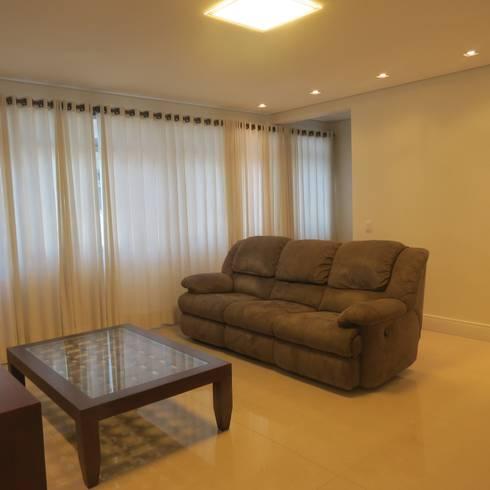 Sala de estar Clean: Salas de estar modernas por Danielle David Arquitetura