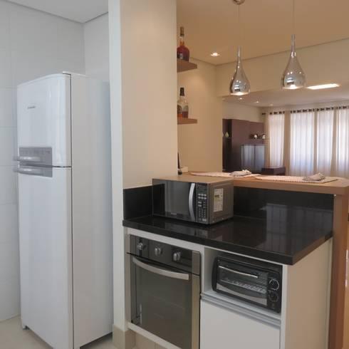Cozinha integrada: Cozinhas modernas por Danielle David Arquitetura