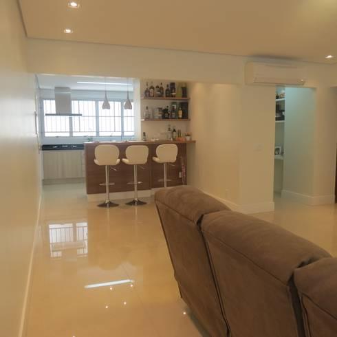 Sala de estar integrada: Salas de estar modernas por Danielle David Arquitetura