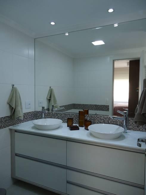 Banheiro suíte: Banheiros modernos por Danielle David Arquitetura