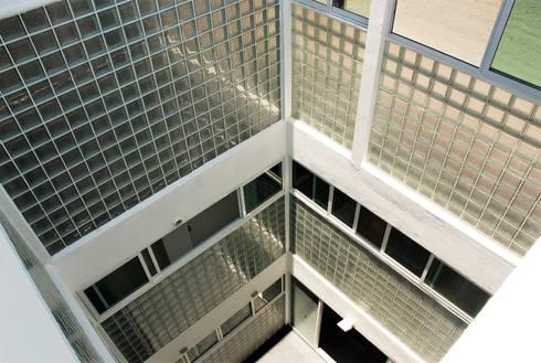 Edificio Metropolitano: Paredes de estilo  por Boquer 3