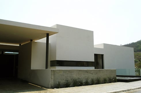 CASA MV RENACIMIENTO: Casas de estilo moderno por planeta diseño + construcción SA de CV