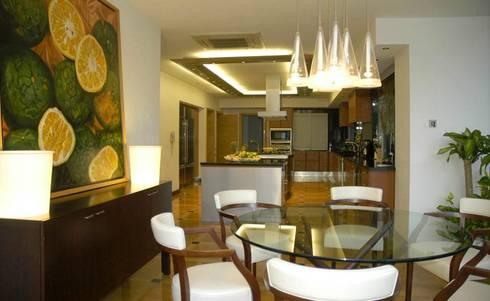 Residencia Guadalajara: Comedores de estilo moderno por Olivia Aldrete Haas