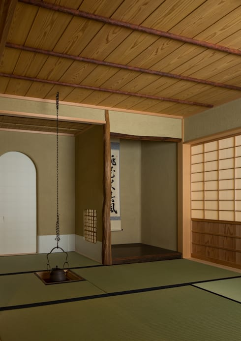 寺池台の家: 伊東建築計画室が手掛けた廊下 & 玄関です。