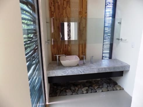 baño reciclado: Baños de estilo  por bello diseño interior