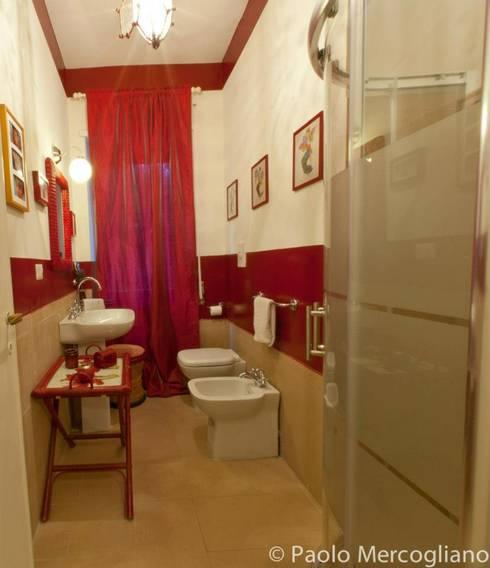 Baños de estilo  por Bazardeco
