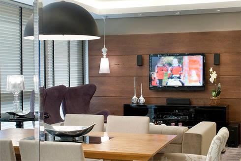 Sala Estar/Jantar Apartamento 2: Salas de estar modernas por Angela Ognibeni Arquitetura e Interiores