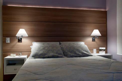 Suíte Casal Apartamento 2: Quartos  por Angela Ognibeni Arquitetura e Interiores