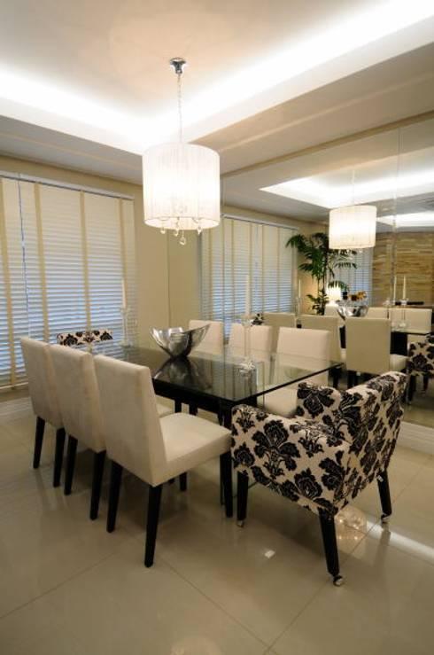 Sala Estar /Jantar Residência: Salas de jantar modernas por Angela Ognibeni Arquitetura e Interiores