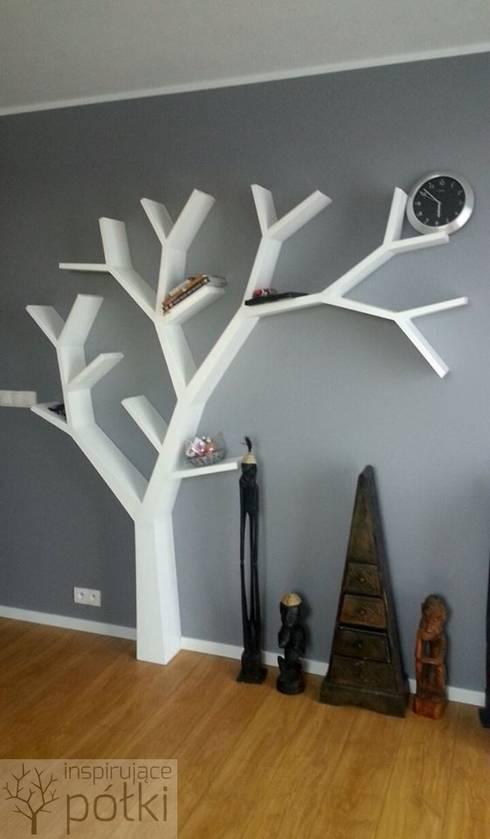 Półka jak drzewo 210x210x18cm: styl , w kategorii Salon zaprojektowany przez INSPIRUJĄCE PÓŁKI