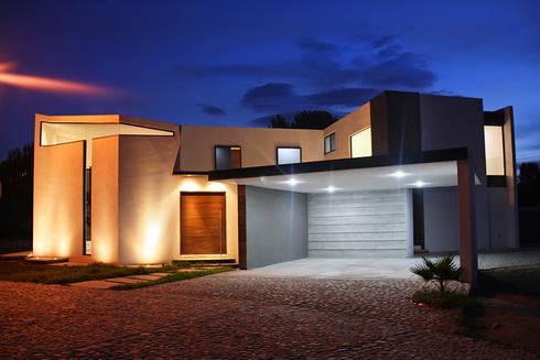 Casa patio de narda davila arquitectura homify for Casa moderno kl