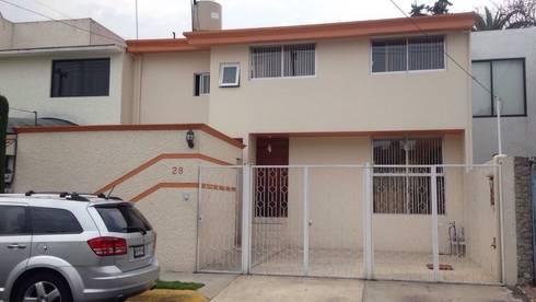 CASA LOMAS DE STA. CRUZ NAUCALPAN EDO. DE MEXICO: Casas de estilo moderno por LOGE ARQUITECTOS