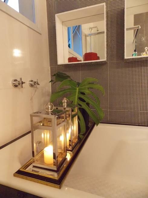 Banheira - detalhe: Banheiros modernos por Lúcia Vale Interiores