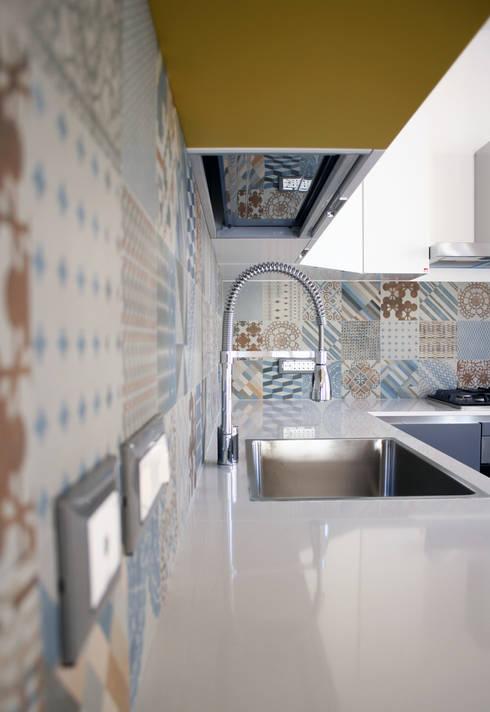Cocinas de estilo  por A2pa