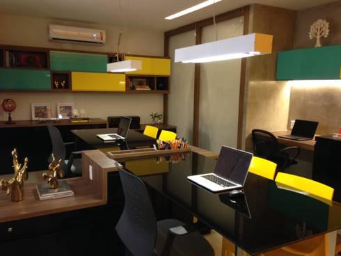 Escritório de arquitetura: Edifícios comerciais  por Arquiteta Raquel de Castro