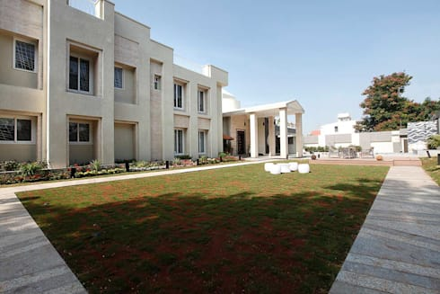 NEMI VILLA: modern Houses by INNERSPACE