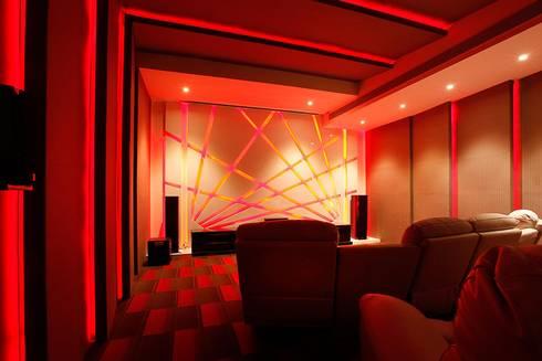 NEMI VILLA: modern Media room by INNERSPACE