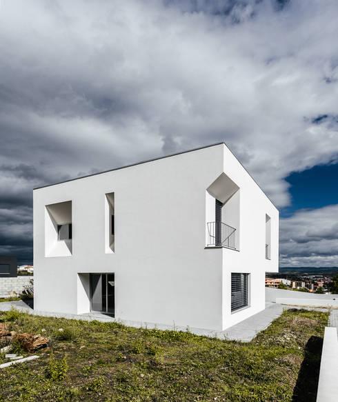 moderne Häuser von ADOFF - Arquitetos