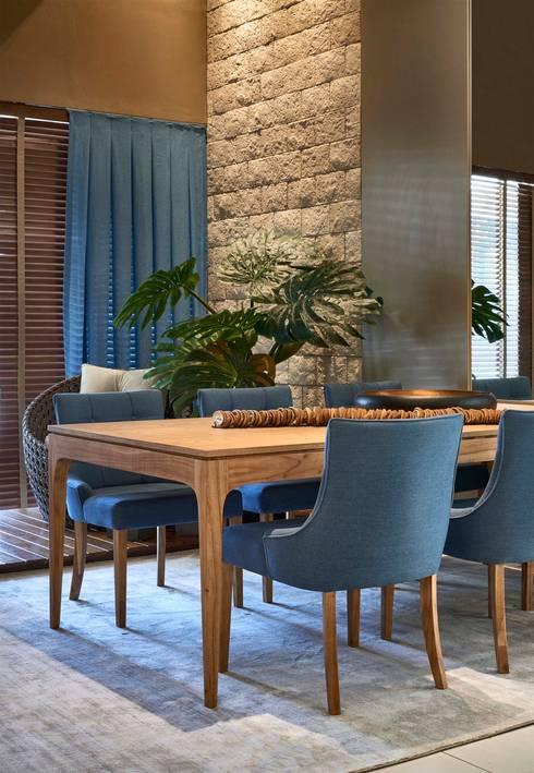 Decora Lider Vitória – Sala de Jantar Integrada à Varanda: Salas de jantar modernas por Lider Interiores