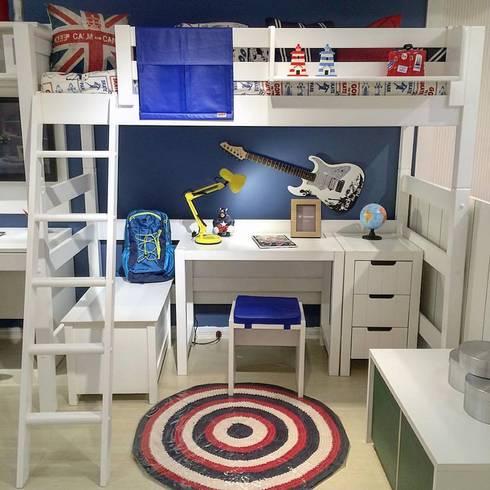 Cama Alta Infantil com Ambiente de estudos: Quarto de crianças  por INTERCASA MÓVEIS INFANTIS E JUVENIS