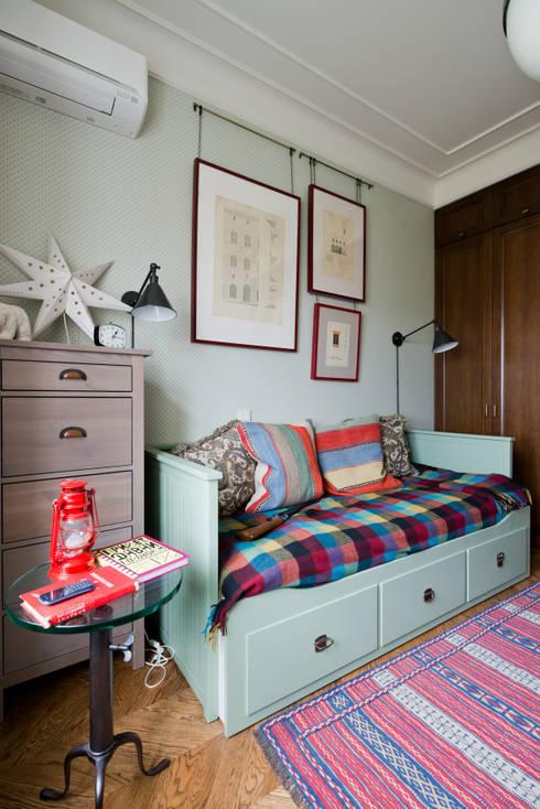 classic Nursery/kid's room by KA