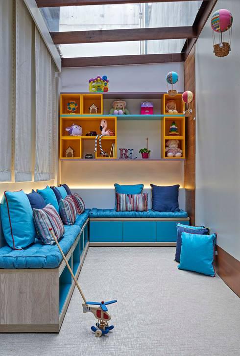 Decora Lider Vitória - Espaço Kids: Salas de estar modernas por Lider Interiores