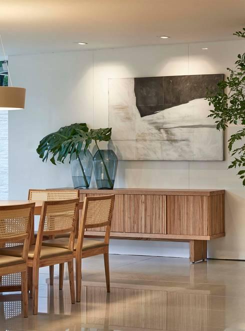 Decora Lider Vitória – Espaço Identidade: Salas de jantar modernas por Lider Interiores