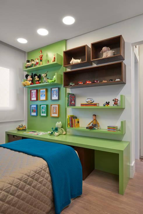 Apartamento ME: Quarto infantil  por Isabela Canaan Arquitetos e Associados