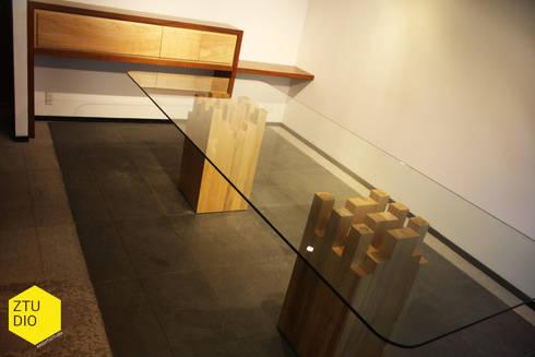 Sala de firmas : Salas de estilo minimalista por ZTUDIO-ARQUITECTURA