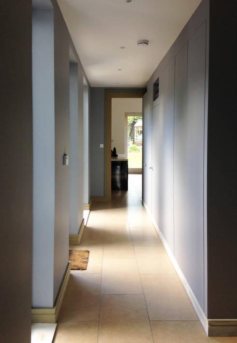 Corridor & hallway by ArchitectureLIVE