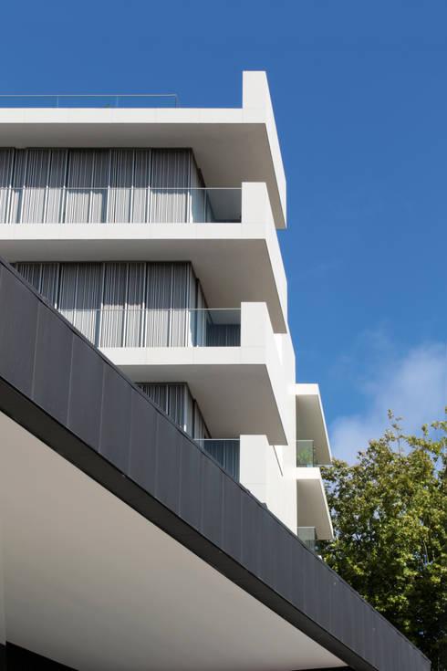 Spazio Park: Casas modernas por Sónia Cruz - Arquitectura
