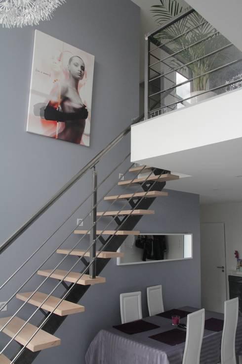 GARDE CORPS ET RAMBARDE: Couloir et hall d'entrée de style  par metal brut