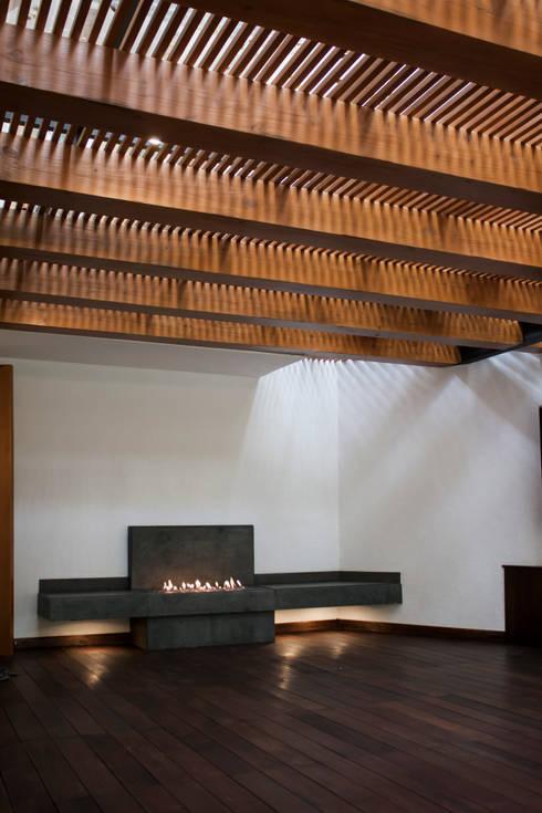 Terraza K.Taño: Terrazas de estilo  por C+C | STUDIO