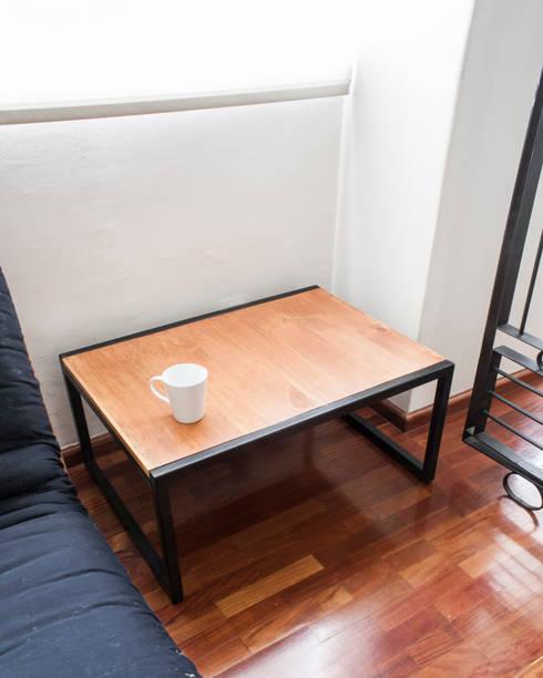 Mesa .57: Salas de estilo minimalista por C+C   STUDIO