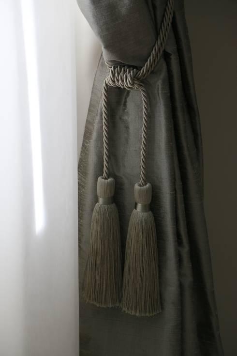 Detalhe Dormitório Hóspedes: Quartos  por MONICA SPADA DURANTE ARQUITETURA