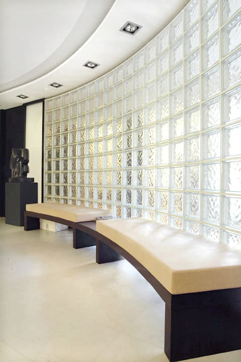 Sala de Espera: Estudios y despachos de estilo  de crokis proyectos