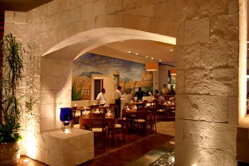 OK Maguey II : Restaurantes de estilo  por Boué Arquitectos