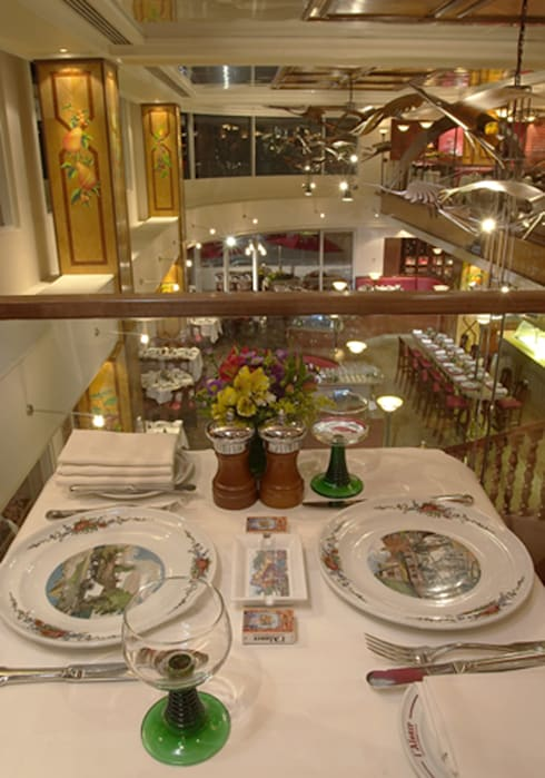 L´Alsace : Restaurantes de estilo  por Boué Arquitectos