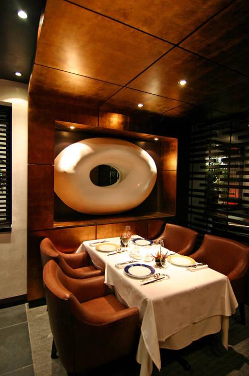 Zhen Shangai: Restaurantes de estilo  por Boué Arquitectos
