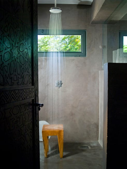 CASA . Quinta do lago: Casas de banho ecléticas por COISAS DA TERRA