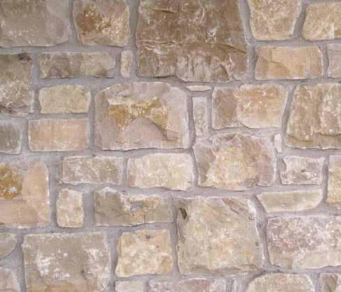 Rivestimenti retrosegati in pietra naturale per interni ed for Pietra di credaro rivestimenti