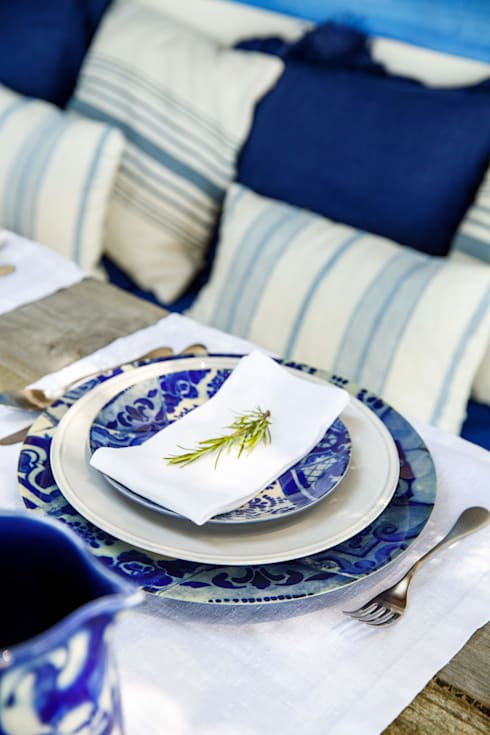 Ambiente Costa Nova - colecção Lisboa: Sala de jantar  por Grestel, SA