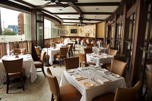 The Palm- Boue Arquitectos: Restaurantes de estilo  por Boué Arquitectos