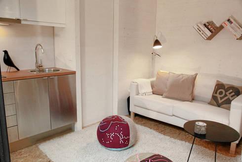 Área de Sala: Salas de estar minimalistas por Plano Humano Arquitectos