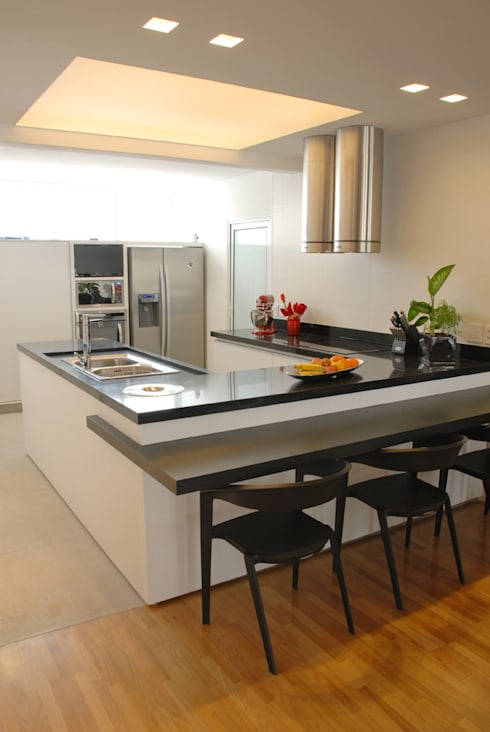 Cozinha 1: Cozinhas minimalistas por MONICA SPADA DURANTE ARQUITETURA