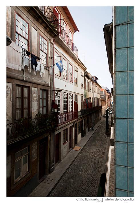 Casa do Pinheiro: Casas clássicas por BAAU - Bernardo Amaral Arquitectura+Urbanismo