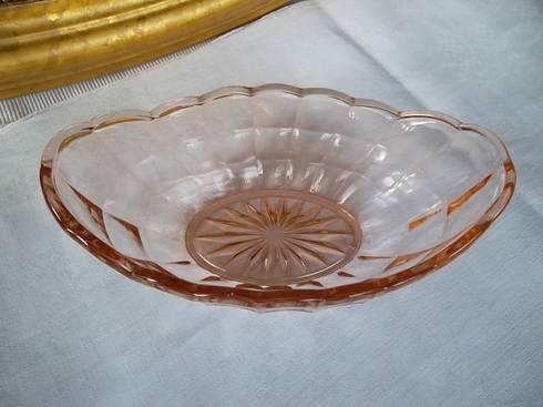 Exklusive glasexponate vintage ideen aus omas zeiten von for Wohnzimmer 20er jahre