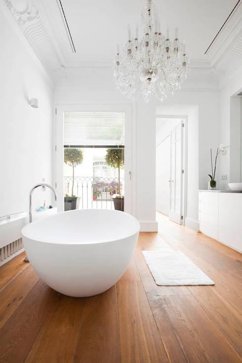 Baños de estilo  por keragres