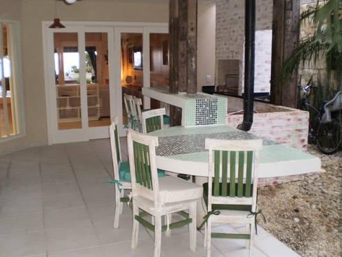 Residência em Juqueí – São Sebastião – SP: Terraços  por ANALU ANDRADE - ARQUITETURA E DESIGN